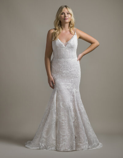 The perfect silhouette, this strapless sweetheart sheath gown is both understated and glamorous.