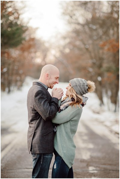 Outdoor-Winter-Couples-Session015