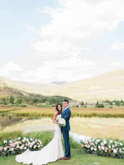DANI-COWAN-PHOTOGRAPHY-CAMP-HALE-VAIL-COLORADO-MOUNTAINTOP-WEDDING-275_1