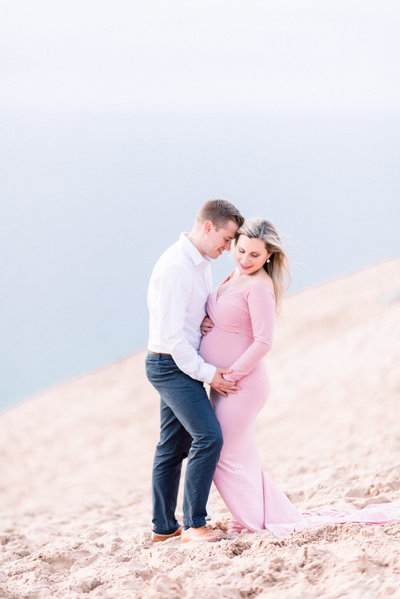 maternity photographers in traverse city michigan
