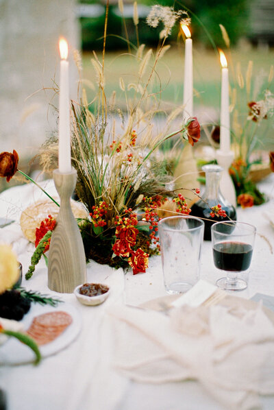 Unconventional flower colors for a textural centerpiece during an autumn microwedding
