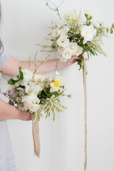 classic-white-green-wedding-bouquet