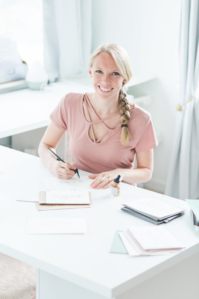 Calligrapher headshot in her office