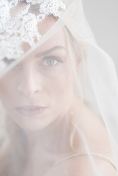 bride-veil-Indianapolis-wedding-photographer-heather-sherrill