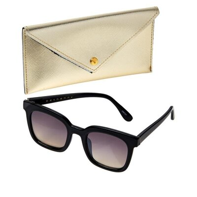 bethenny-medium-square-sunglasses-with-case-and-cleanin-d-20210222085620783750039_001