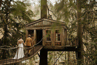 Couple at Treehouse Point in Washington