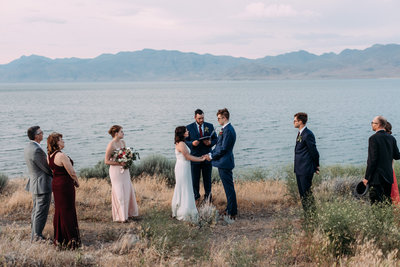 Ellen+++Will+_+Ashlyn+Savannah+Photo+_+Pyramid+Lake+Elopement-153