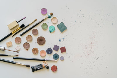 Eyeshadow art flatlay from book be your own makeup artist