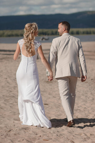 diy-beach-wedding-ottawa-river-562