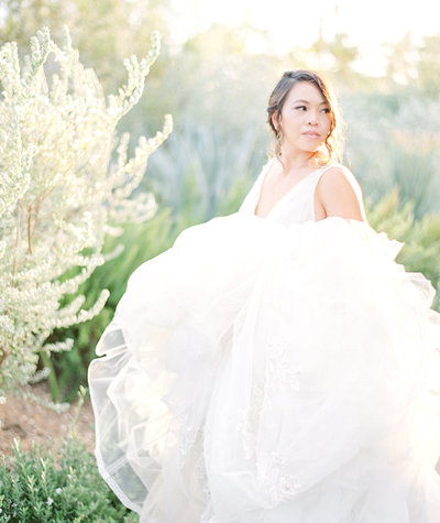 Beautiful bride in Miss Hayley Paige wedding gown Photographed by Amy Mulder Photography