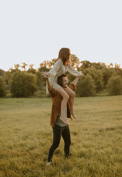 Minneapolis+Boho+Engagement+Photographer-118