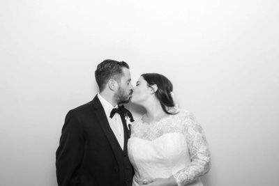 black-and-white-photobooth-white-backdrop-modern-classy-wedding