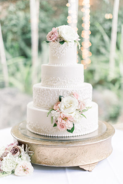 Pebble Beach Wedding Cake