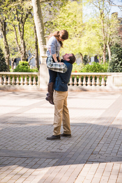 Engagement photoshoot in Rittenhouse Square