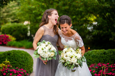 sister-maid-of-honor-photo