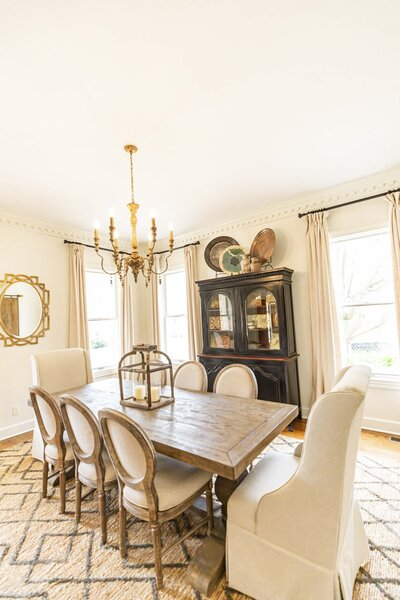 bright-dining-room-decor-textures-character-crown-molding16