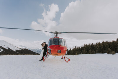 Rockies Heli Elopement - Banff Elopement (15)