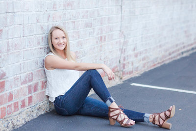 kaylee-triway-downtownwooster-seniorpictures-jamielynettephotography-234