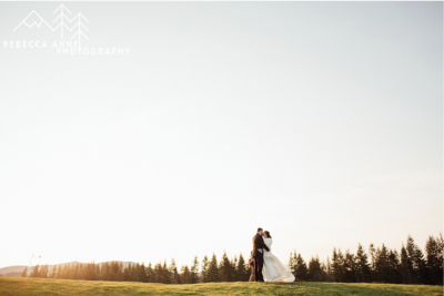 The Club at Snoqualmie Ridge is a wedding venue in the Seattle area, Washington area photographed by Seattle Wedding Photographer, Rebecca Anne Photography.