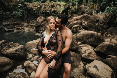 Maternity_Waterfall_Photos_Maui