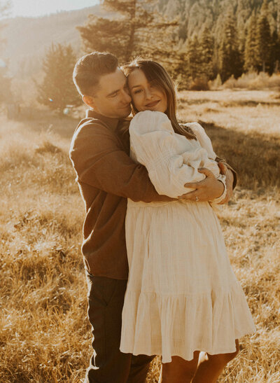 south_lake_tahoe_california_nevada_engagement_photos_photographer_fall_autumn_meadow_07