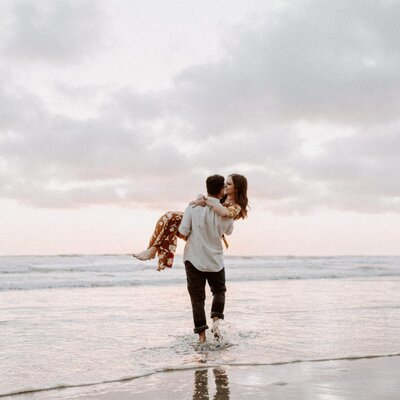 San-Diego-Moonlight-Beach-Engagement-Session-1470-1024x684