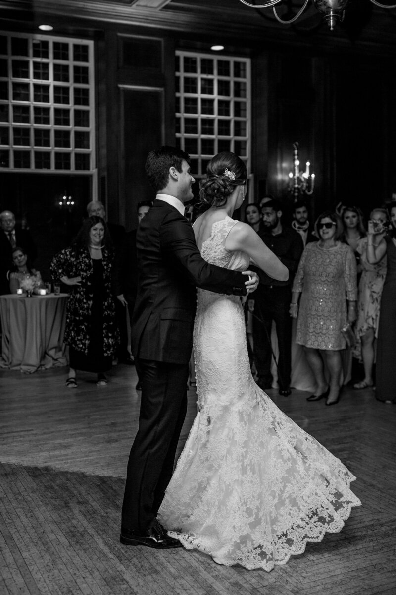 First-Dance-at-the-Racquet-Club-of-Chicago