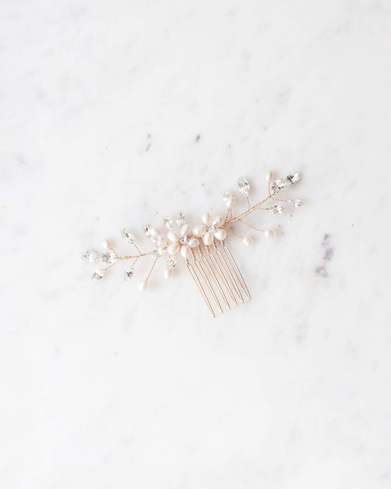 aster-comb-rose-gold-pearl-1-atelier-elise-2400