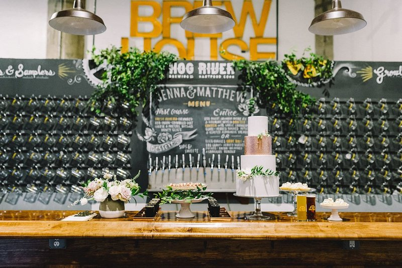 Urban & Romantic wedding at Hog River Brewery in Hartford