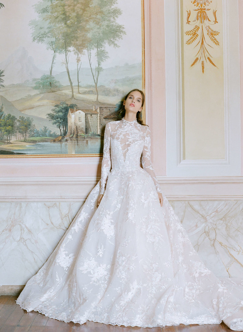13-ktmerry-MoniqueLhuillier-LakeComo-Bridal