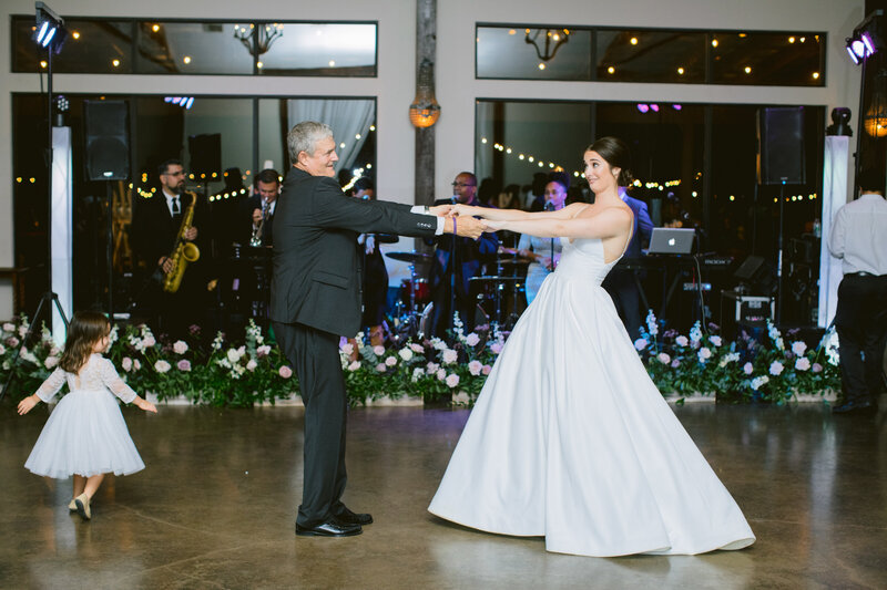 maggie-brent-pecan-spring-branch-wedding-contigo-ranch-frederickburg-117