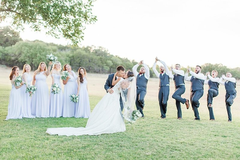 The Lodge at Country Inn and Cottages in Fredericksburg Texas Wedding Venue photos by Allison Jeffers Photography_0066