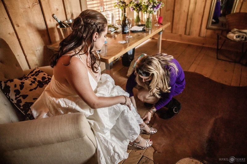 Bridal Space in small rustic cabin at Piney River Ranch