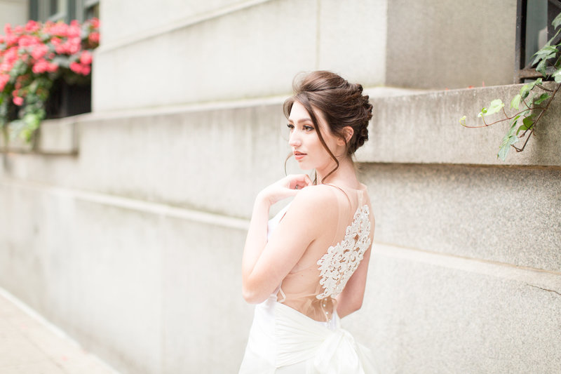 bridal-portraits-bride-edith-elan-wedding-dress-chicago-illinois-photo