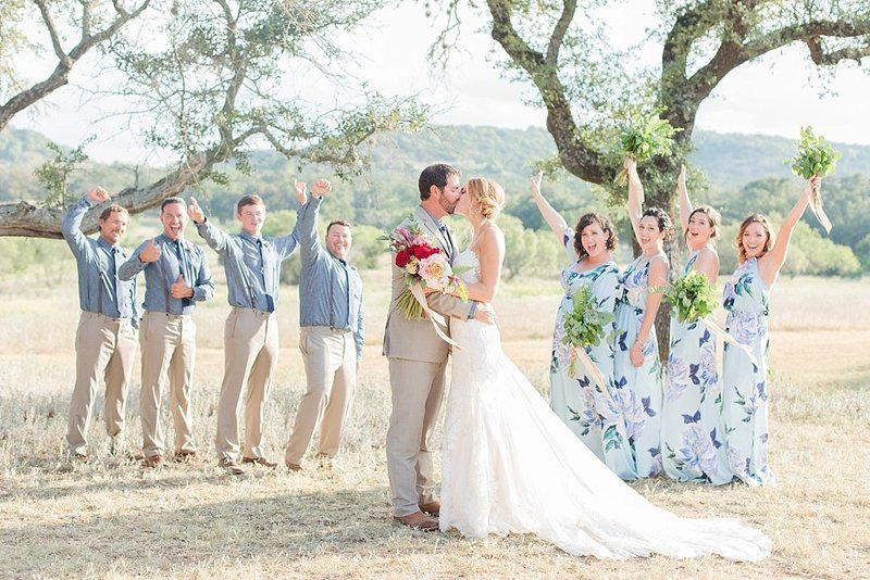 Navy and greenery botanical wedding at The Lodge at Country Inn _ Cottages Wedding Venue in Fredericksburg Texas_0077