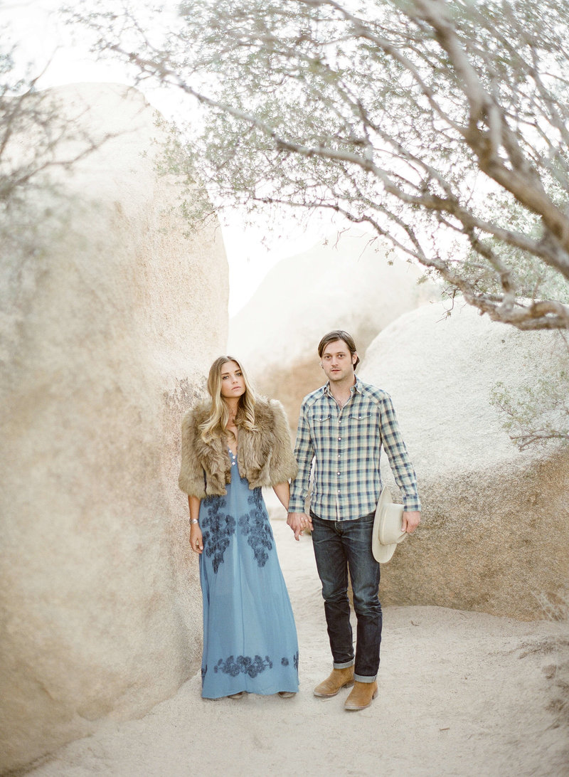 11-KTMerry-destination-engagement-session-Joshua-Tree
