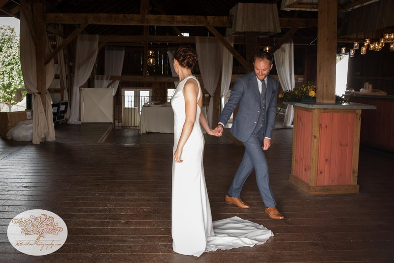 Hayloft on the Arch Fall Wedding Pictures-17