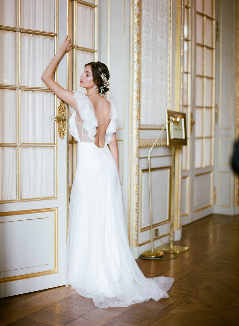 The bride with her elegant dress by Rime Arodaki
