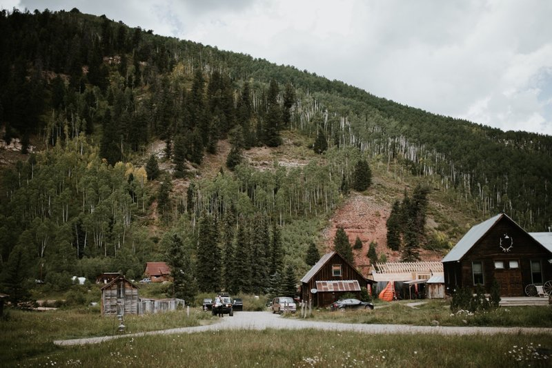 dunton-hot-springs-colorado-elopement-17