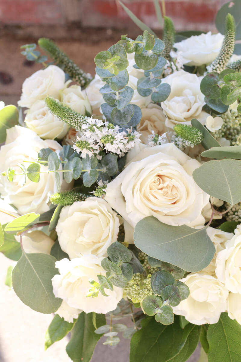 florist-greenwich-new-york-connecticut-designer-preservation-floral-wedding-westchester-bouquet-hydrangea-ivory-neutral-eucalyptus-7