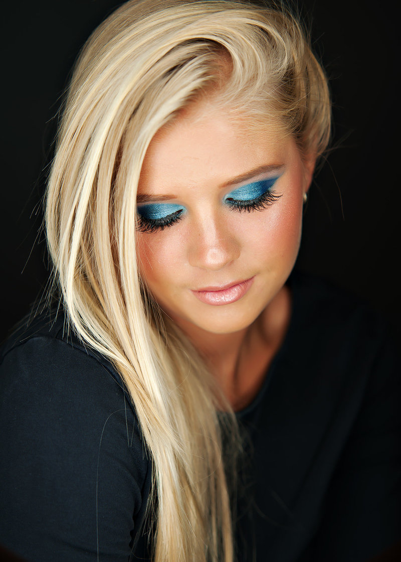 lansing michigan studio senior picture photographer with bold and beautiful makeup