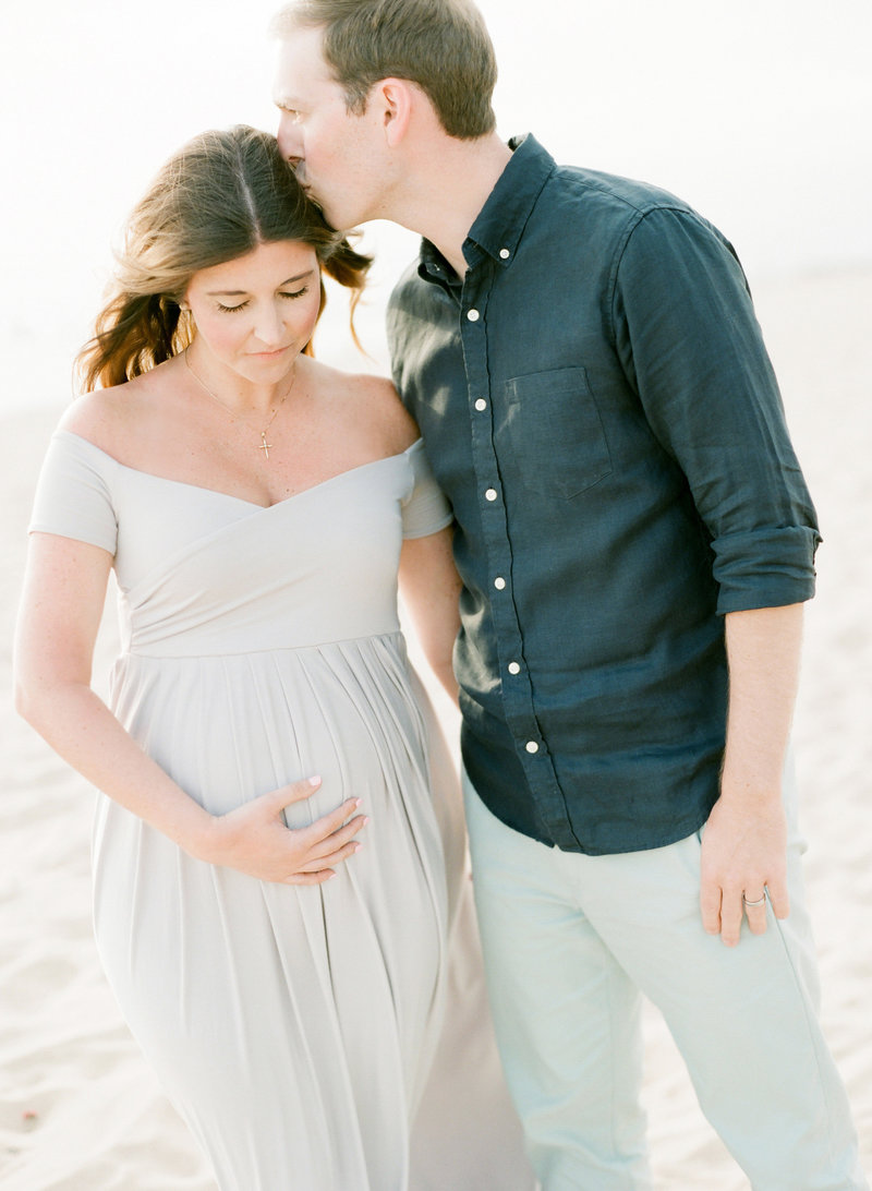 West-Michigan-beach-maternity-photos_01
