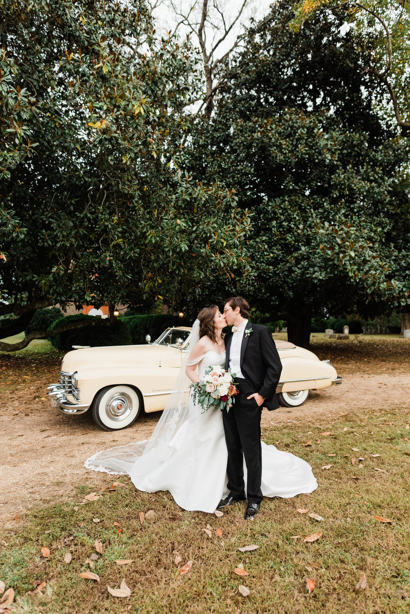 Juliette + Kevin-Upper-Shirley-Vinyards-Charles-City-Virginia-Wedding_Gabby Chapin Photography_00535