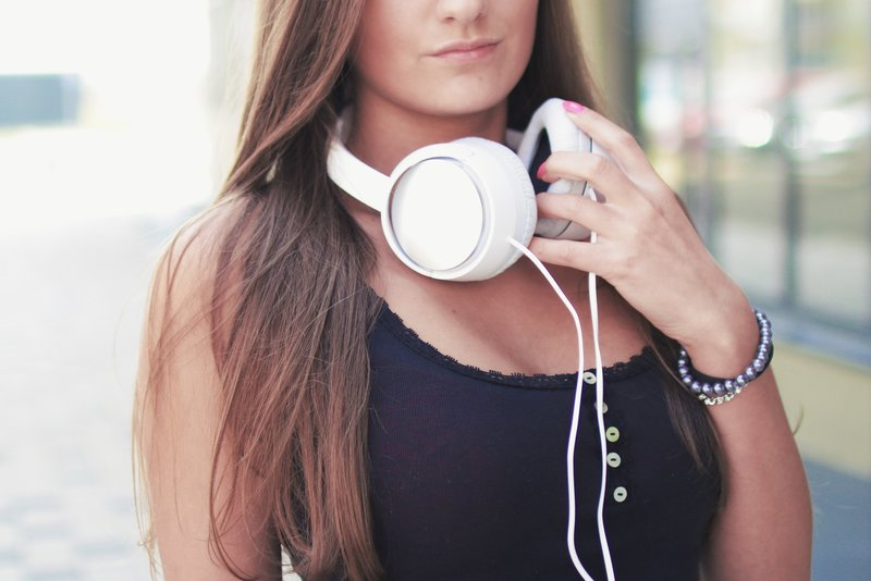 earphones-headphones-music-7422