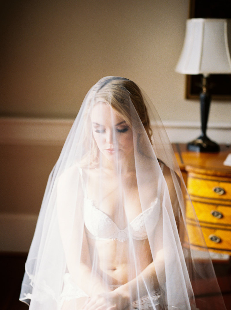 boudoir sessions for toronto  brides