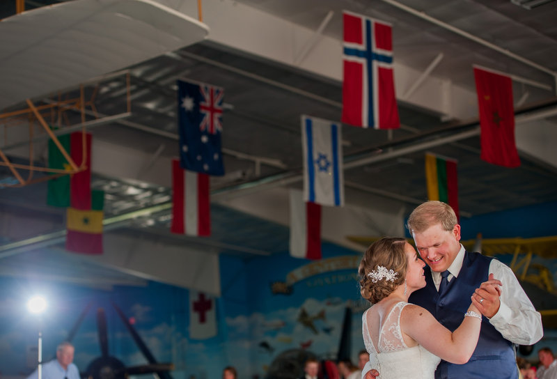 Fargo Air Museum Wedding Venue Kris Kandel Photographers (12)