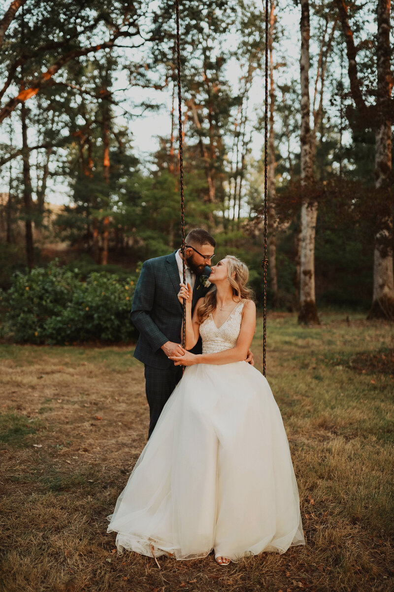 Miranda Lyn Photography is a Bend OR Wedding Photographer