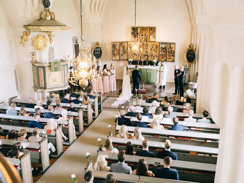 027-church-wedding