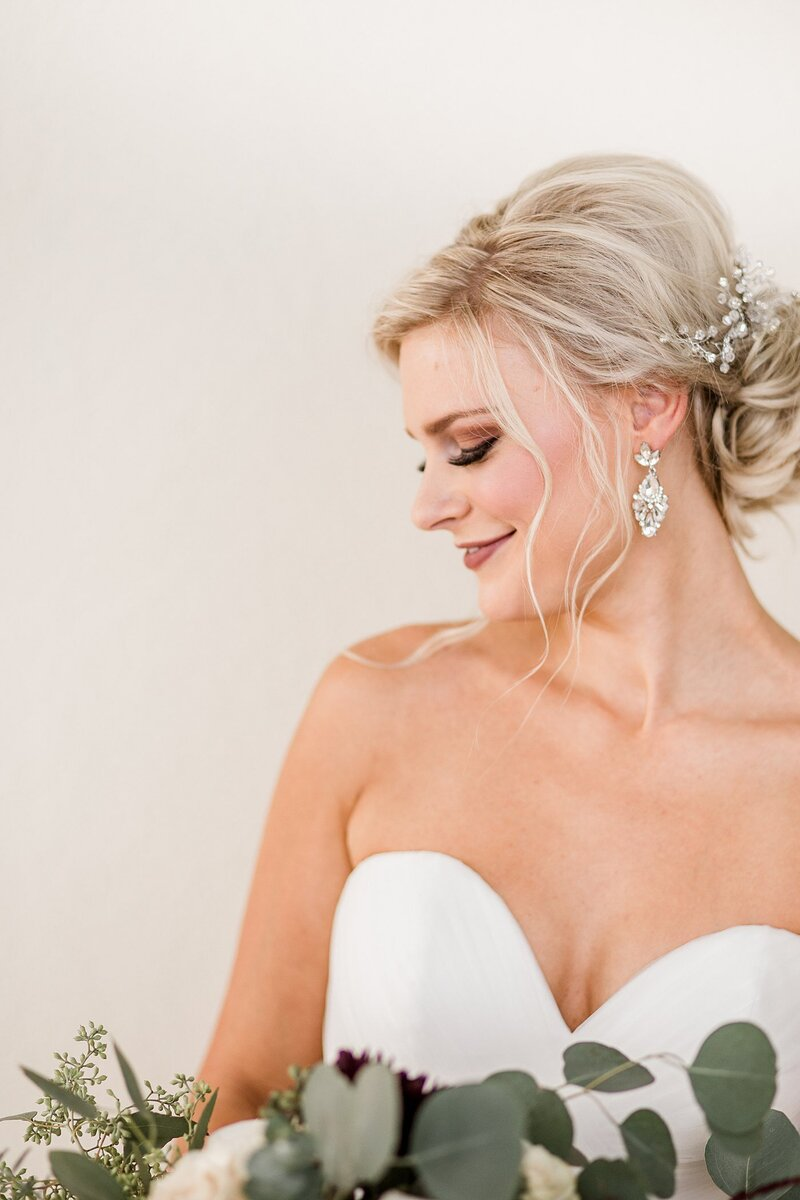 Side profile of bride by Knoxville Wedding Photographer Amanda May Photos