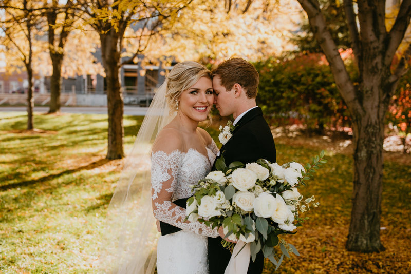 omaha-wedding-planner-and-floral-designer-modern-fall-wedding-capitol-district-marriot-downtown-omaha39